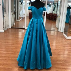 2019 Women's special occasion dress